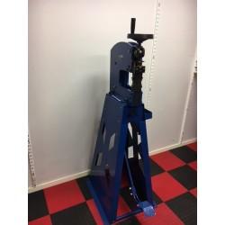 Krymp/sträckmaskin med fotpedal för 2 mm plåt