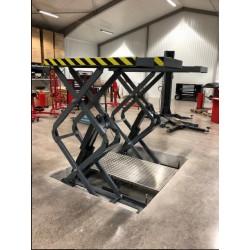 Saxlyft 3200 kg för nersänkning i golv
